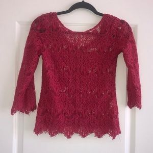 Pink lace 3/4 length top with zipper in back